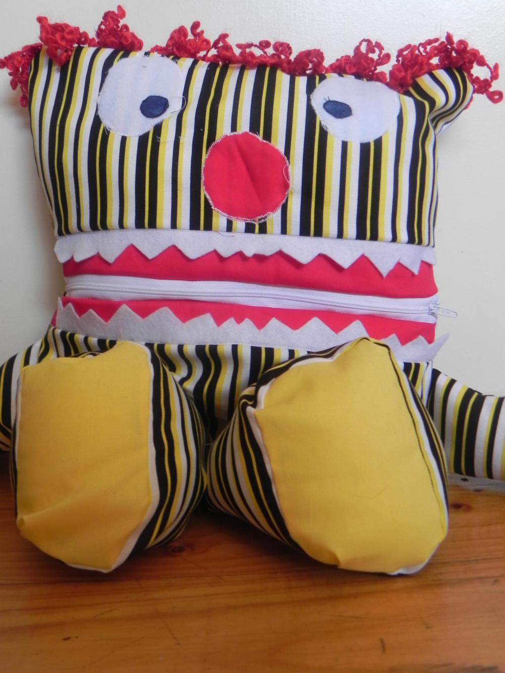 CUSTOM pyjama eater - CLOWN